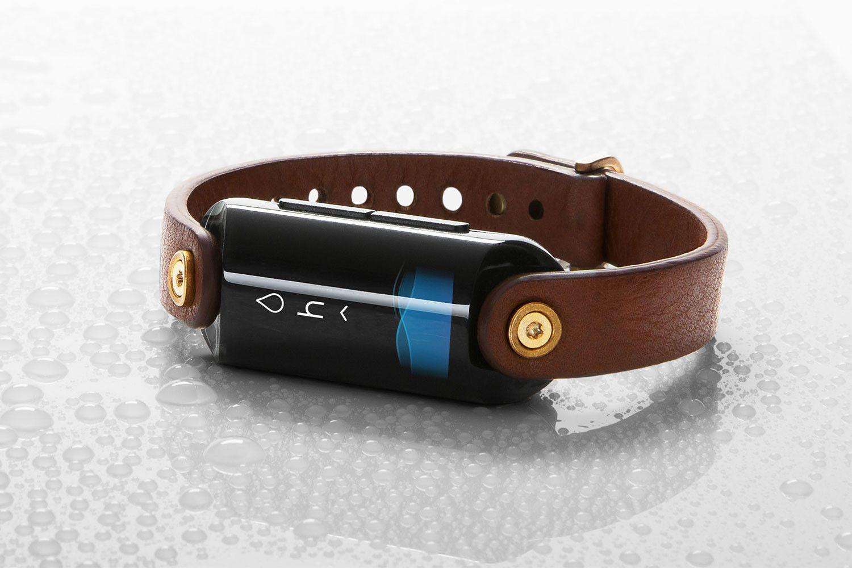 Un #wearable que te recuerda beber agua y mide tu hidratación en tiempo real
