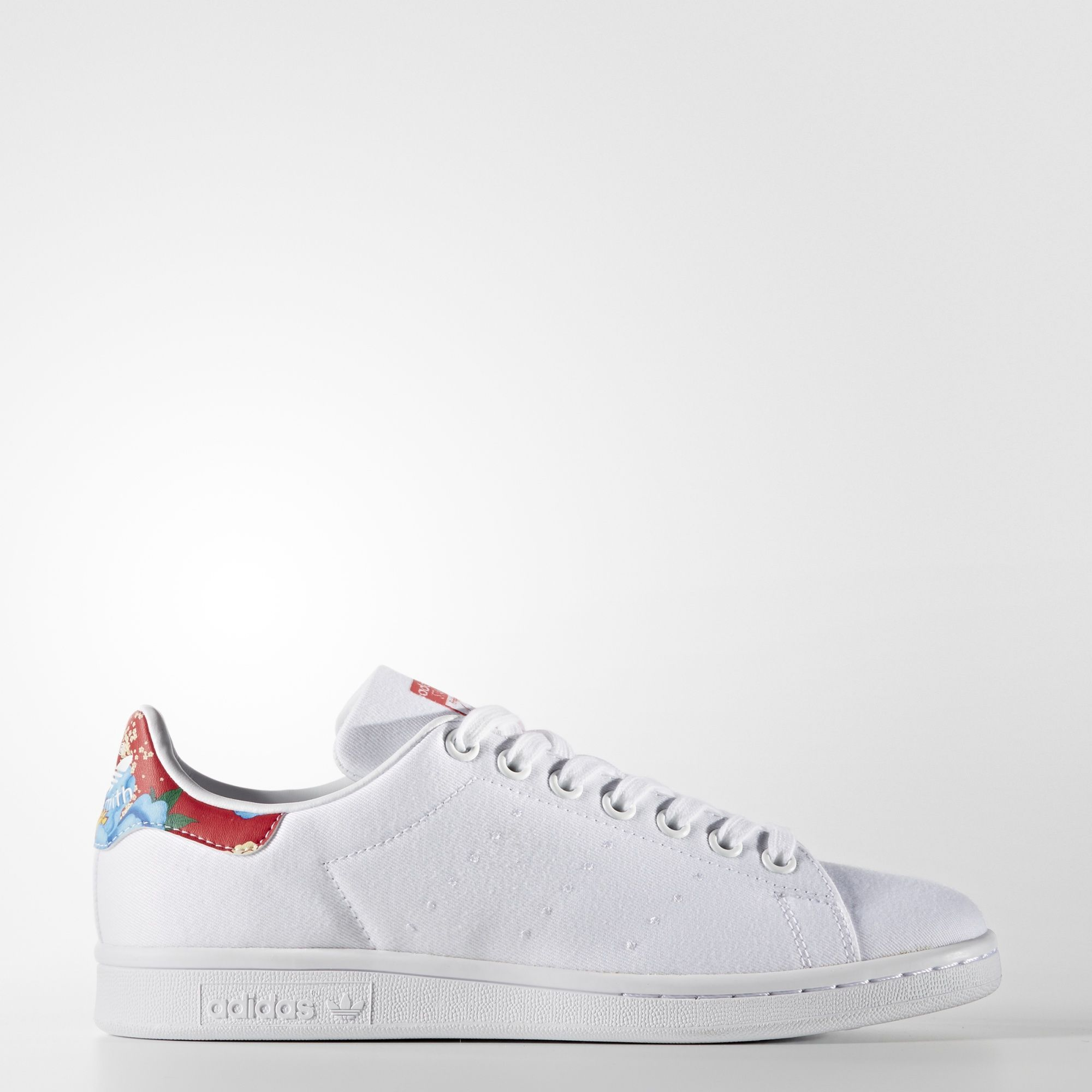 350e17e4e27a I love a good sneaker with a white dress! Adidas Stan Smith ...