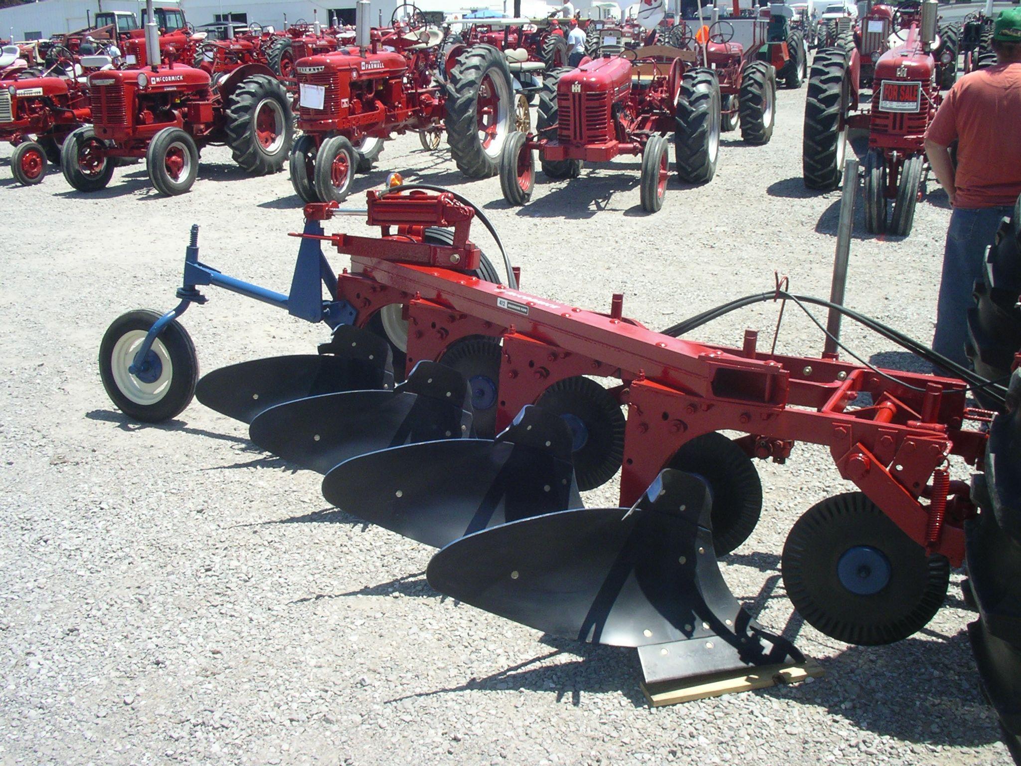 Ih No 412 Moldboard Plow Behind 1957 Farmall 450 Gas Farm