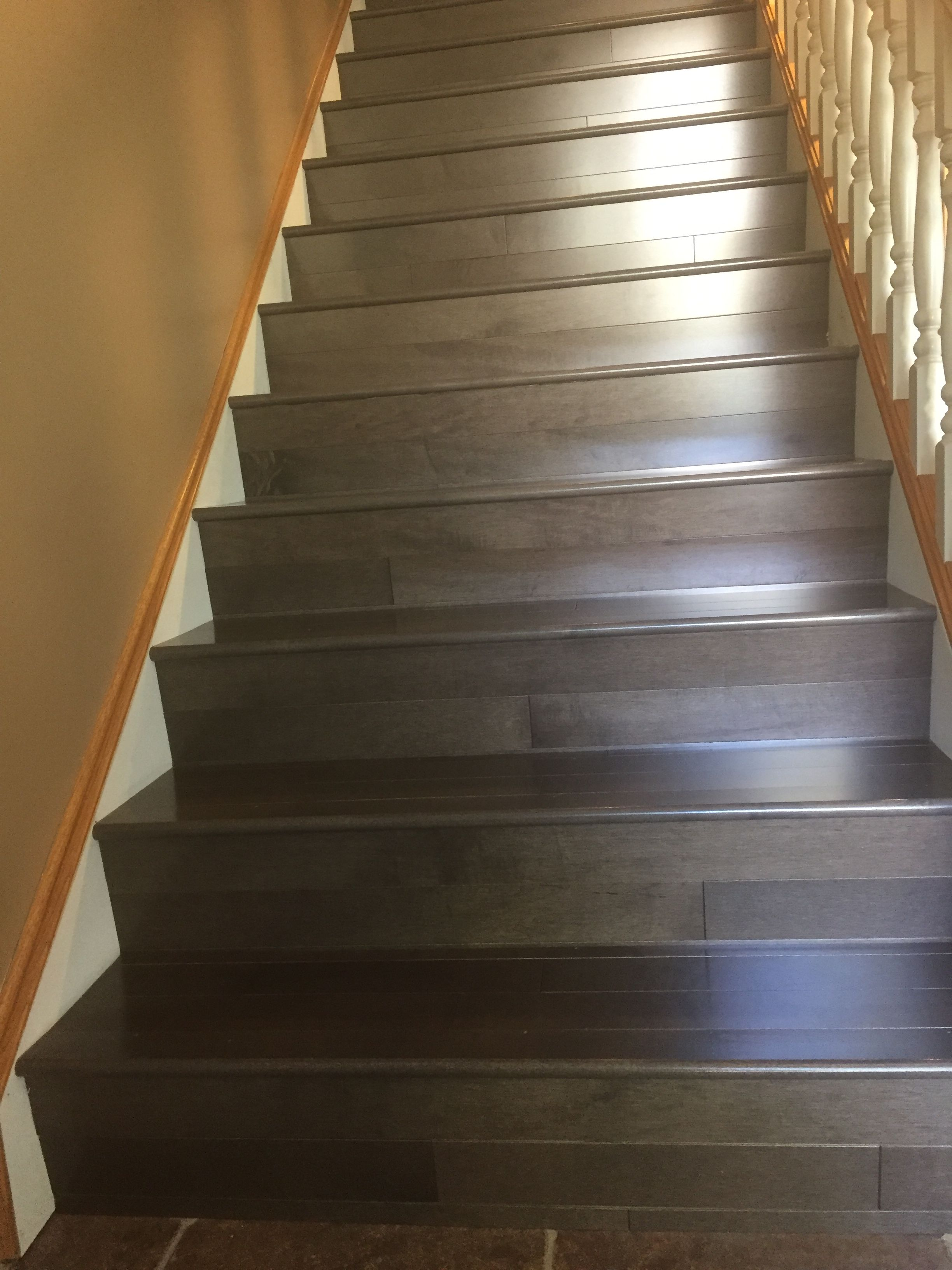 Best Prefinish Stained Maple Hardwood Stairs Stairs Hardwood 400 x 300