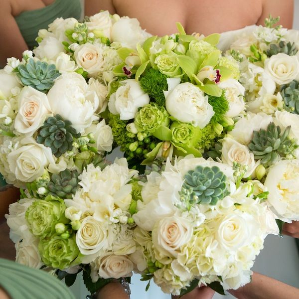 Chic Green New York Wedding from Aida Krgin Photography - bridal bouquet