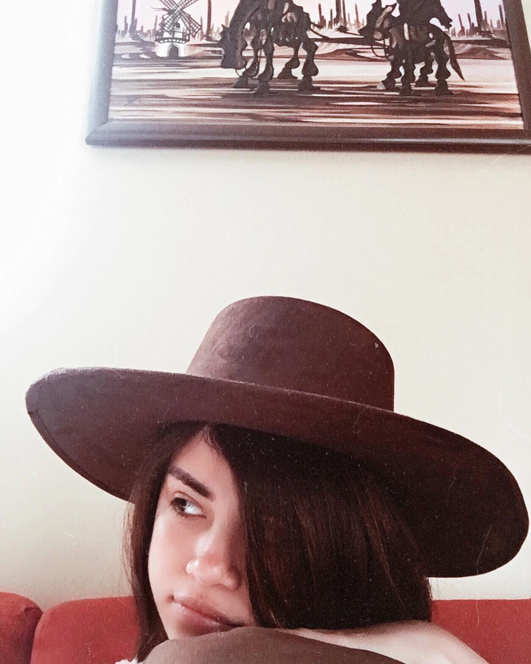 Sofia Solares On Instagram Hay Una Serpiente En Mi Bota Fedora Fashion