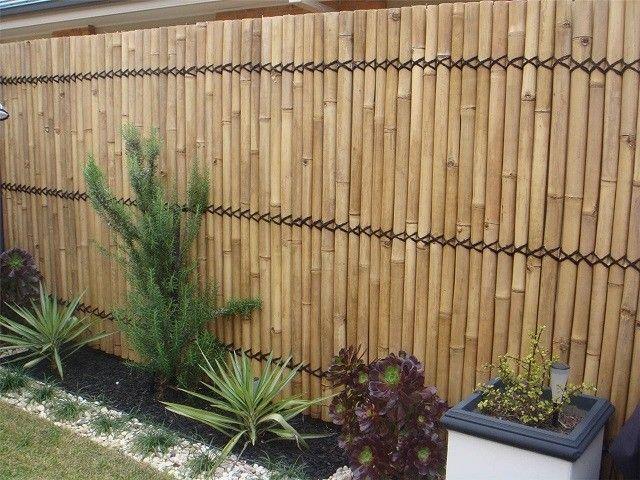 Vallas de madera con bambú, la solución inteligente caña - muros divisorios de madera