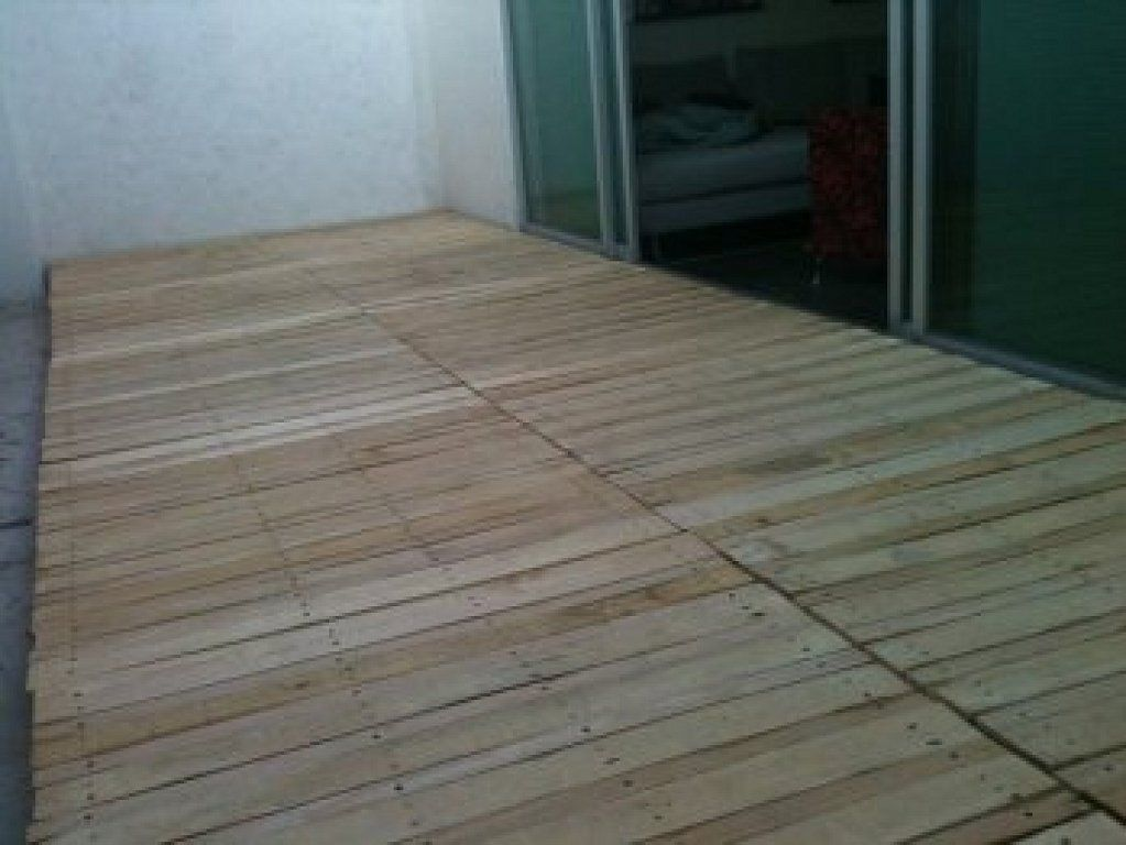 En pocos pasos tu suelo de madera en el exterior diy - Suelo de madera exterior ...