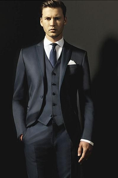 Custom Charcoal Grey Wedding Suit For Men Peaked Lapel Mens Suits Tuxedos One On Groomsmen