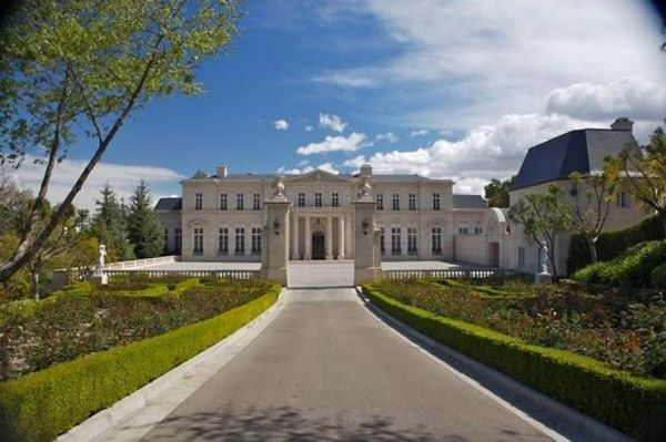 PHOTOS: Top 10 Mega-Mansions of the Filthy Rich | Mother Jones