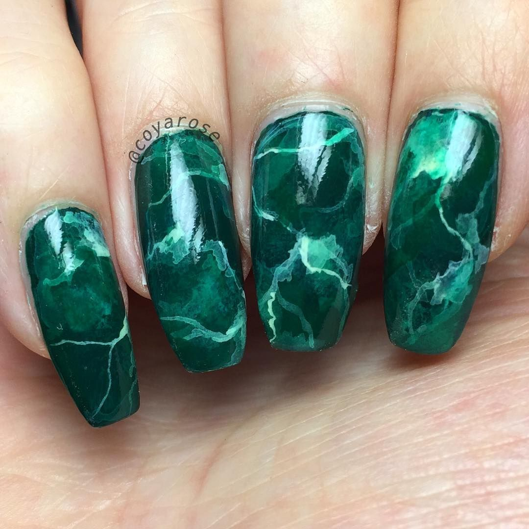 Green marble malachite nails nail art
