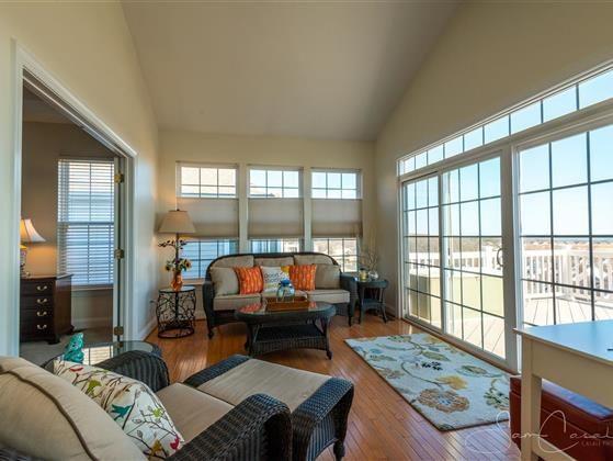 238 Smarty Jones Terrace Best flooring, Built in