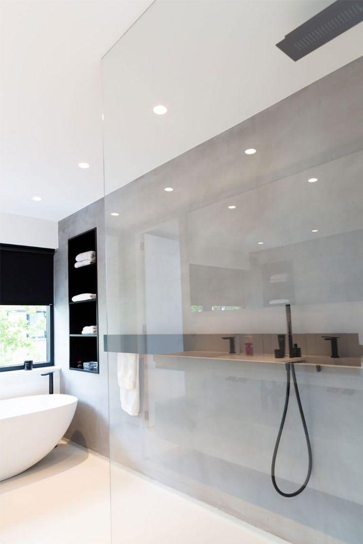 Gegossener Boden Microcement Badezimmer Moderninterioresign Badezimmer Boden Gegossener Bad Fliesen Designs Badezimmer Umgestalten Badezimmer Renovieren