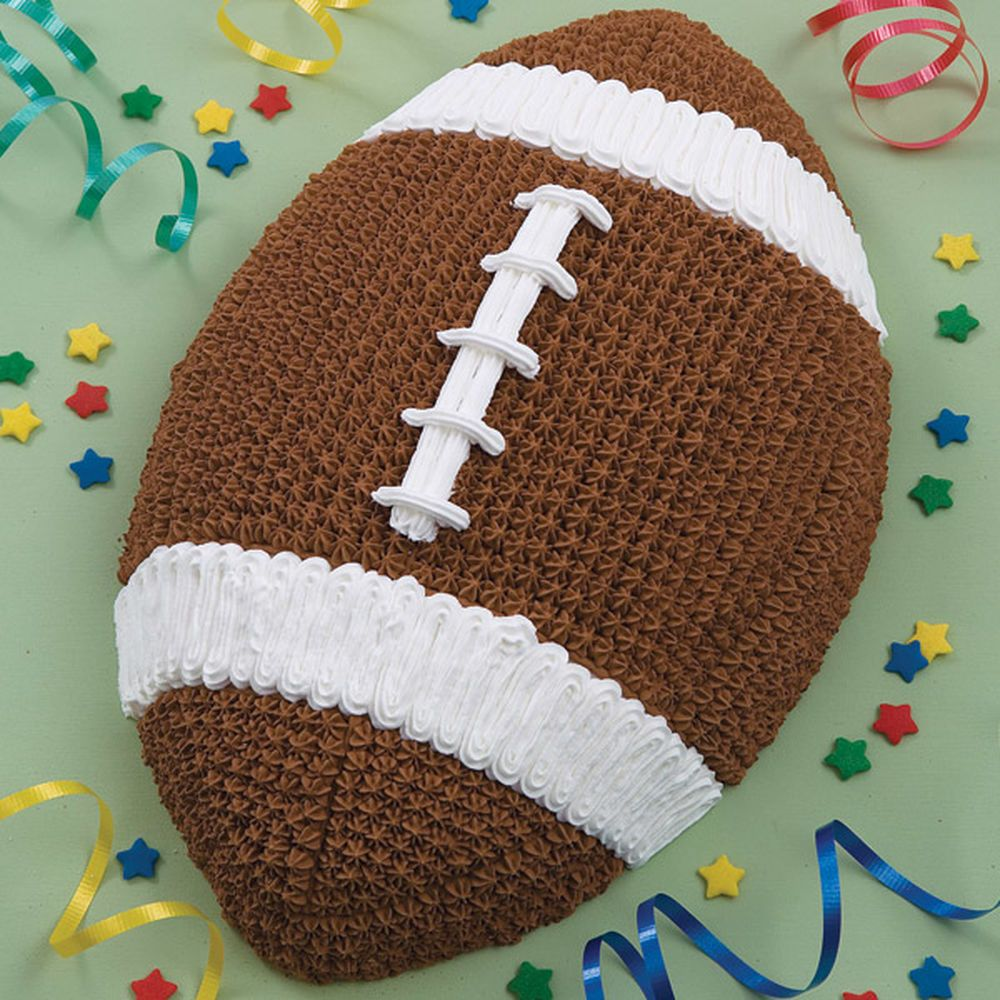 This Is One Of The Most Rewarding And Easiest Cakes To Tackle First And Ten Pan Makes Desserts That Are G Superbowl Cake Football Birthday Cake Football Cake