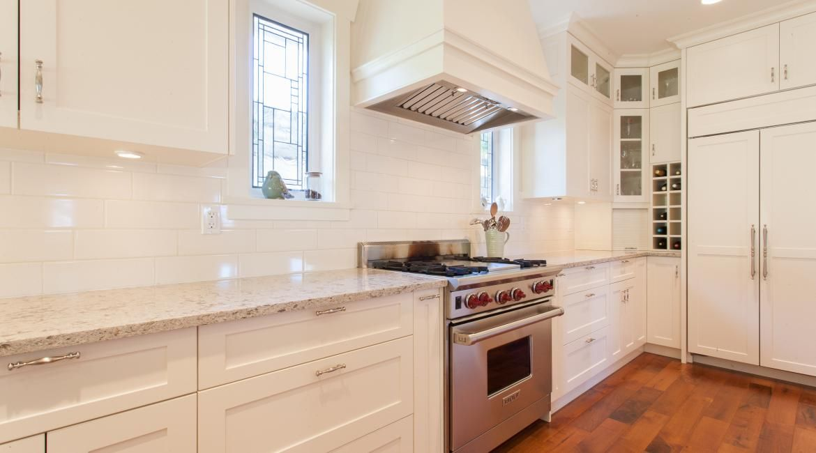 Engineered Stone Cambria Windermere Countertop With White Subway