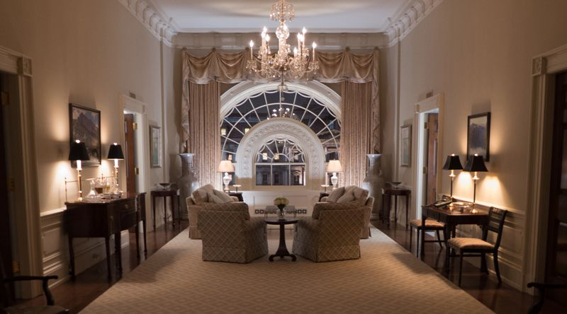 Steve arnold house of cards interior design for The white house interiors