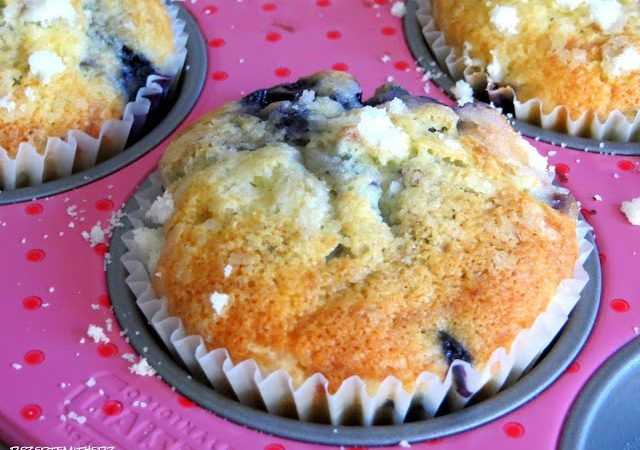 Blueberry Muffins A La Starbucks Blue Berry Muffins Food