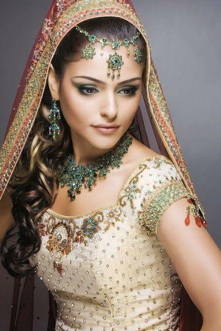 Belle femme.... Ювелирные изделия Mariée indienne