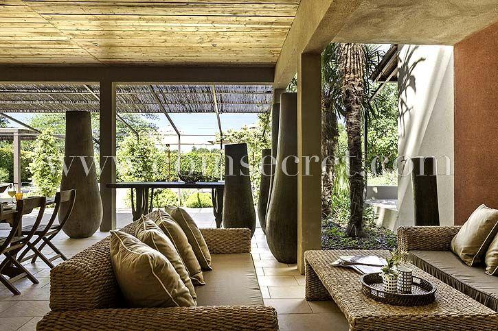 Magnifique cuisine d\u0027été dans cette maison de vacances climatisée - location vacances provence avec piscine