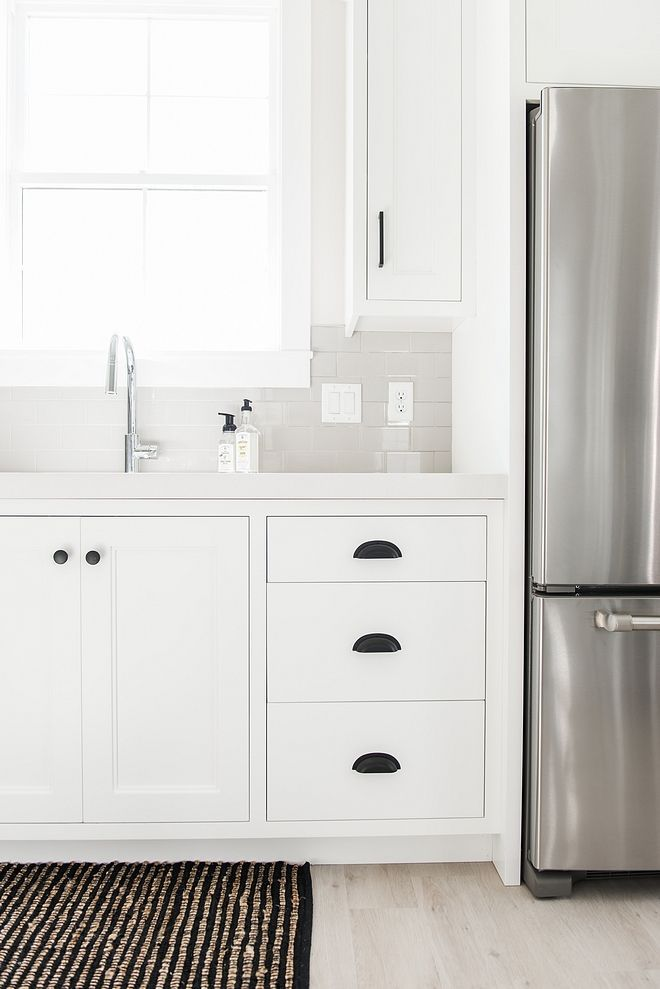 Best Benjamin Moore Chantilly Lace Kitchen Cabinet Paint Color 400 x 300