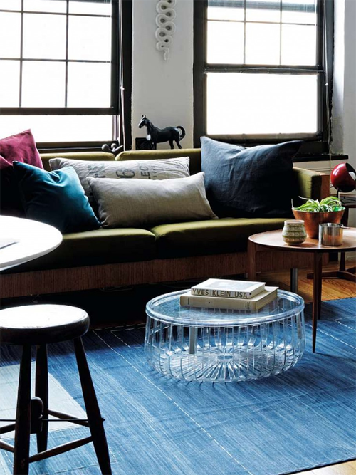 Love the transparent coffee table