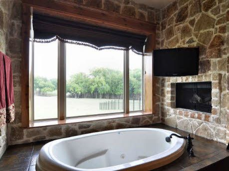 Superb Big Bathtub, A Tv, And A Fireplace? Yes Please!