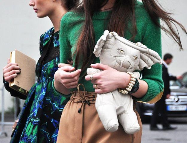 Now THAT'S a geeky handbag! #gremlins #fashion #handbag