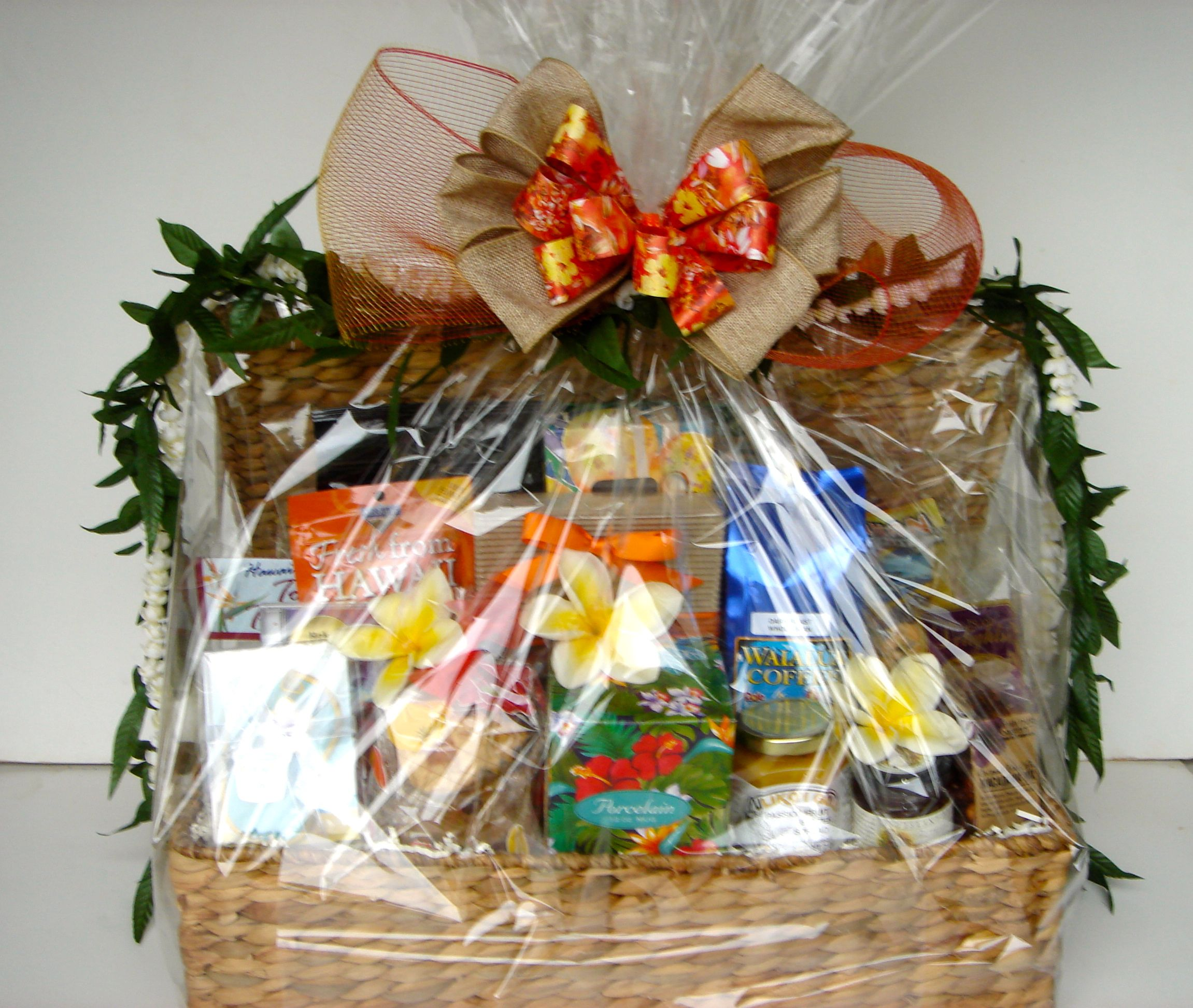 """Like this or more Hawaiian? """"Treasure of Paradise"""", an authentic Hawaiian gift basket. From: EXQUISITE BASKET EXPRESSIONS (Honolulu, Hawai'i). www."""