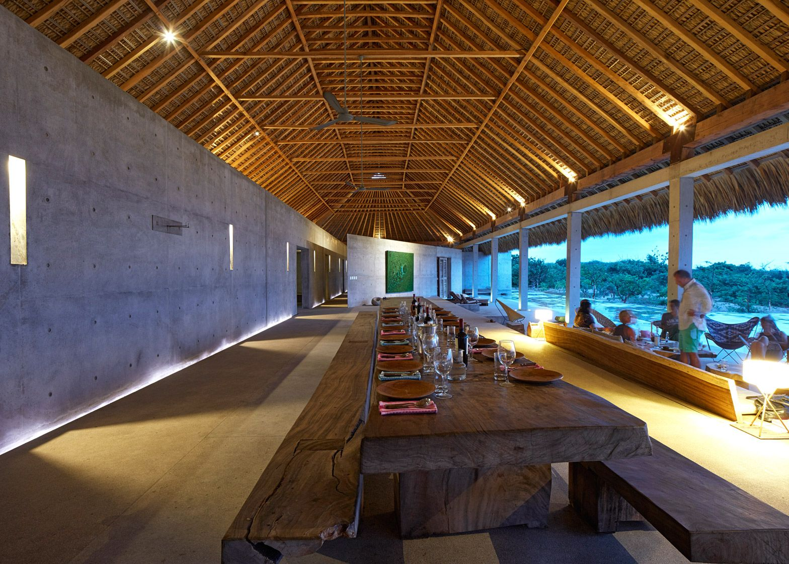 Casa wabi is an artist 39 s retreat along the mexican coast for Casa moderna 4x4