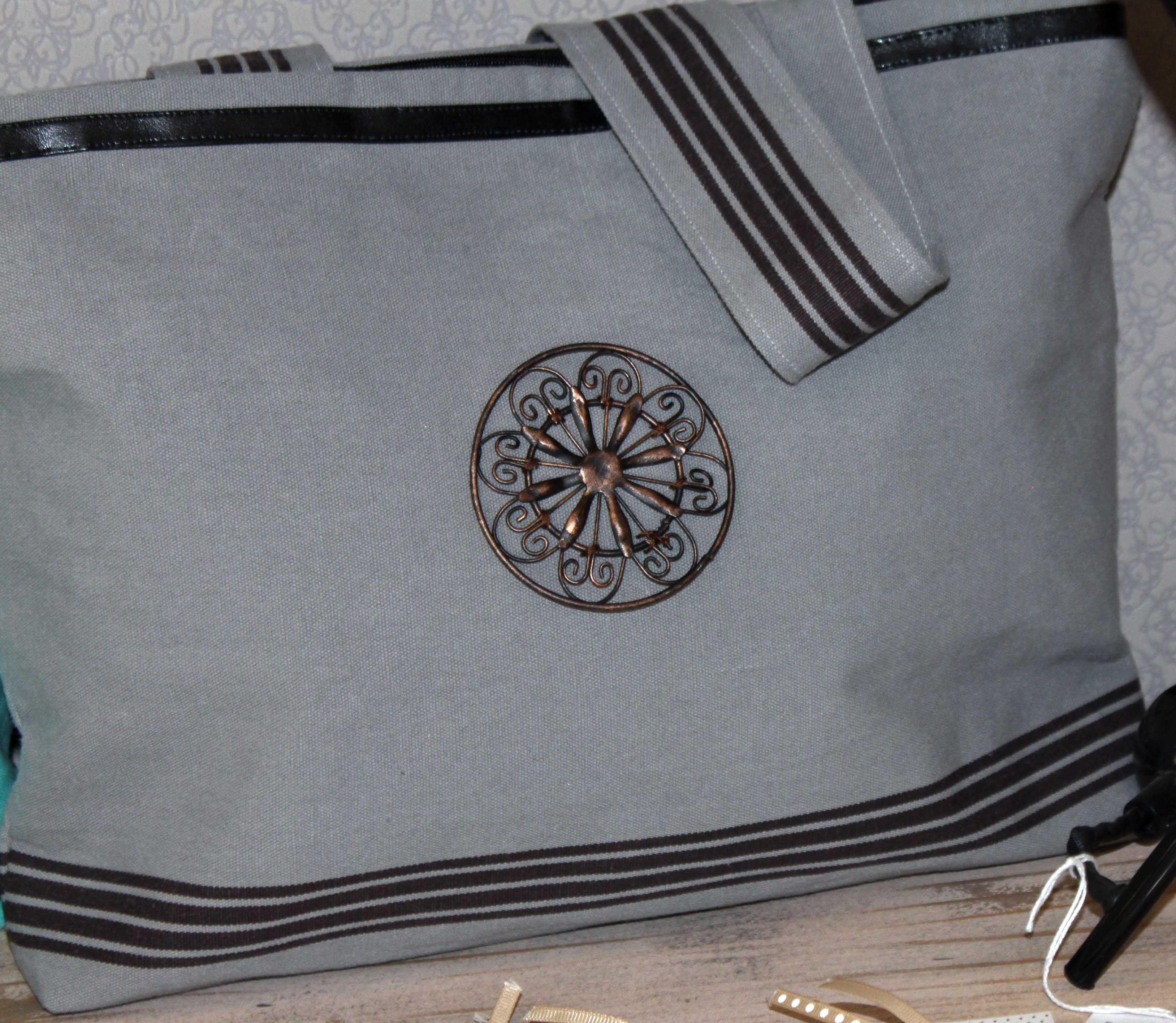 sac toile coton gris motif métal, 3 petites rayures. Collection été 2014