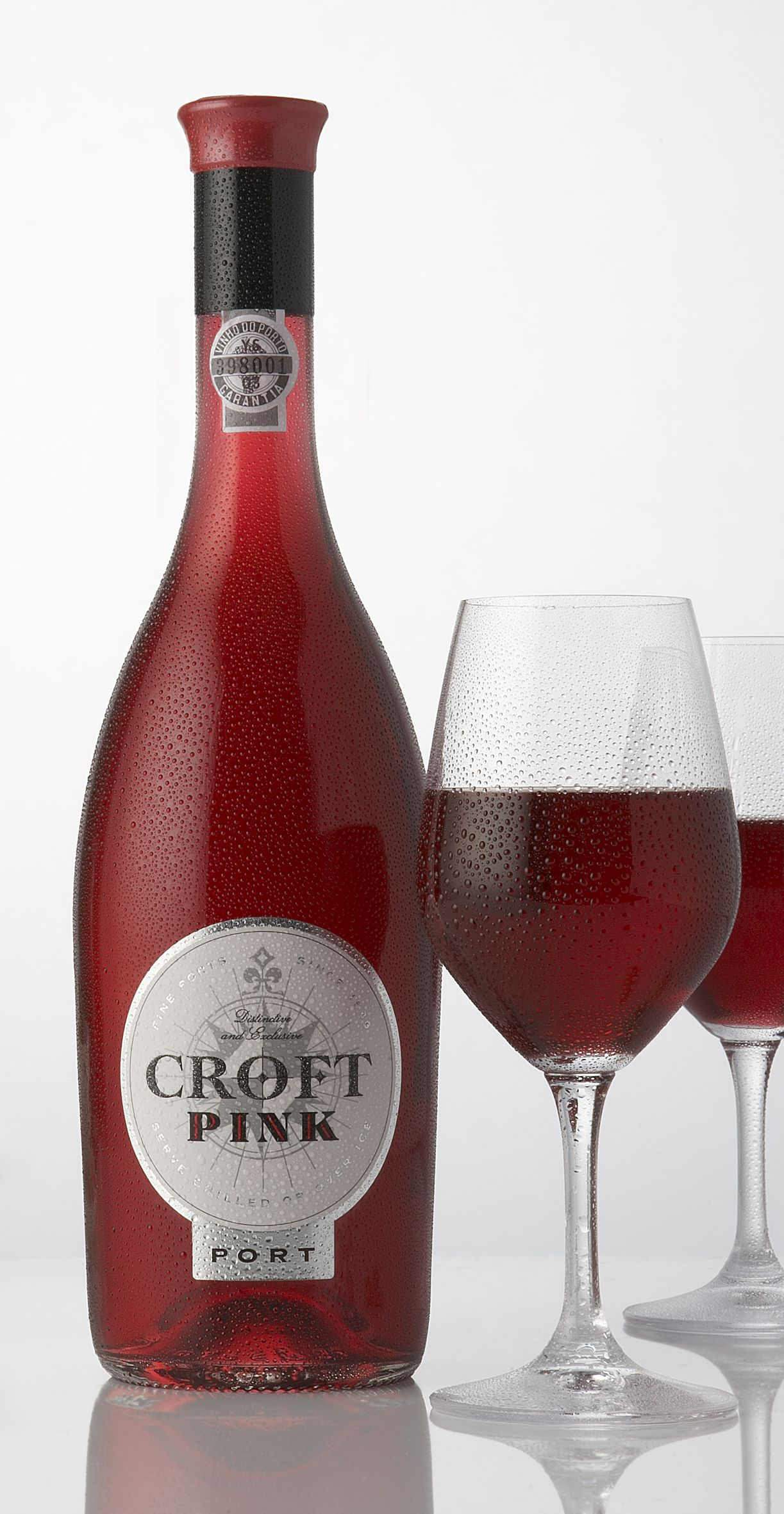 Croft Pink The World S First Pink Port Harpers Design Awards 2009 Fortified Wine Design Of The Year Trophy Th Wine Label Design Wine Packaging Wine Design