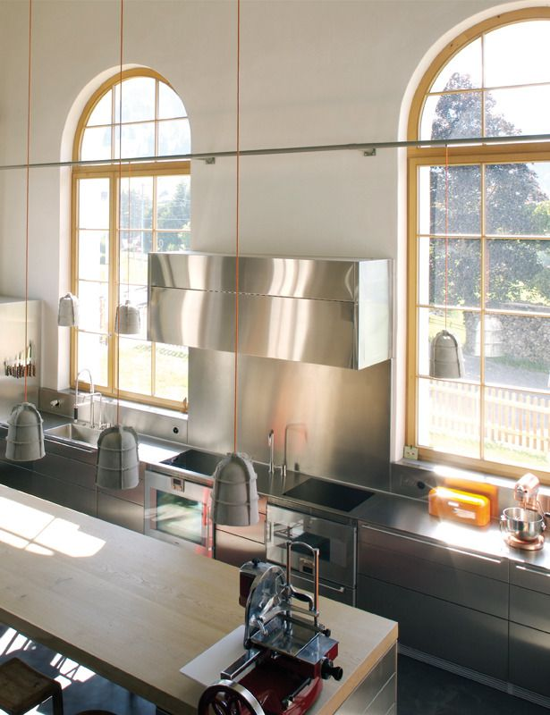 House in an former train station cuisine et sàm(kitchen and