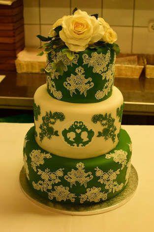 Makerist Hochzeitstorte Mit Spitze Und Perlen 1 Kuchen Torten