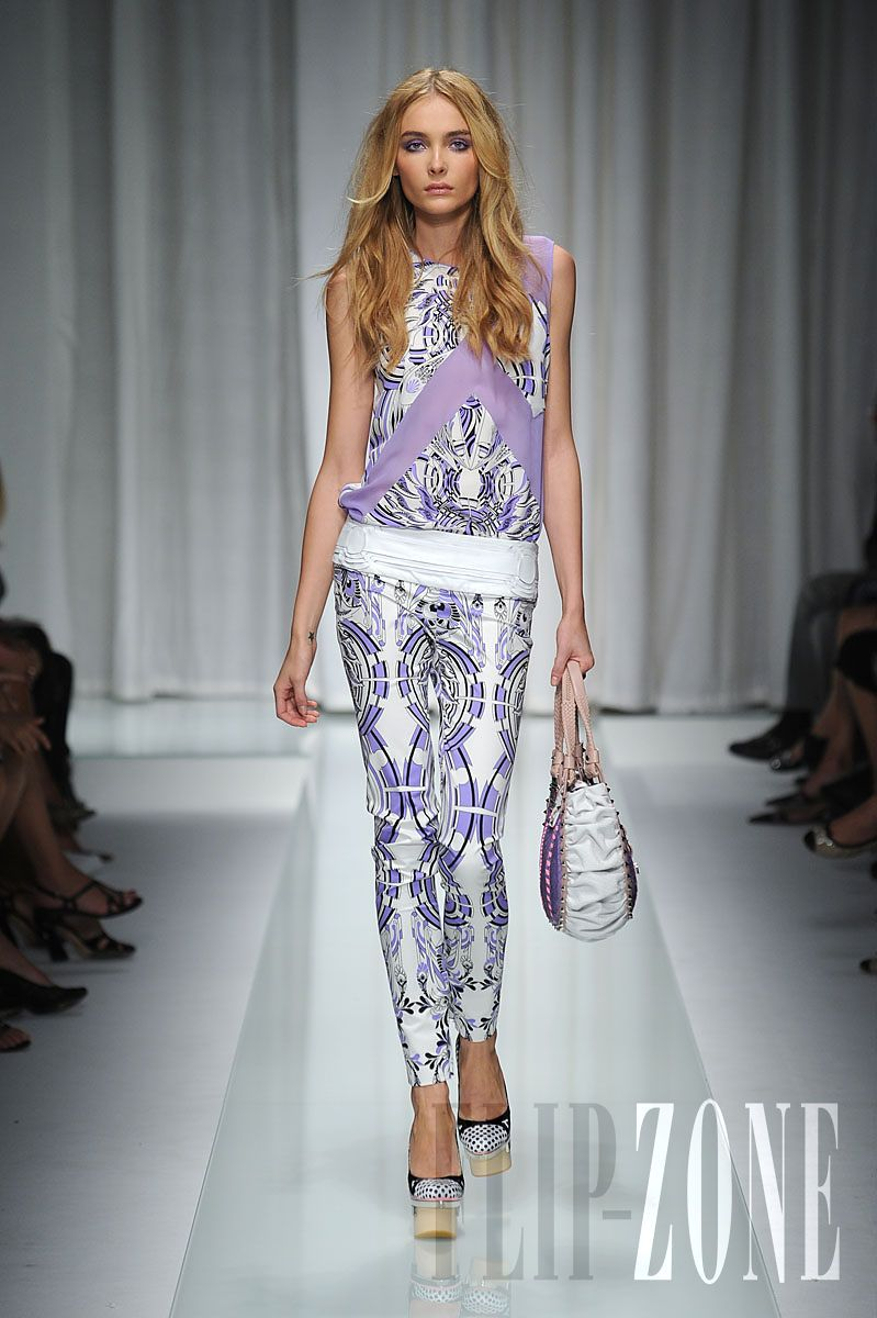 Versace - Ready-to-Wear - Spring-summer 2010