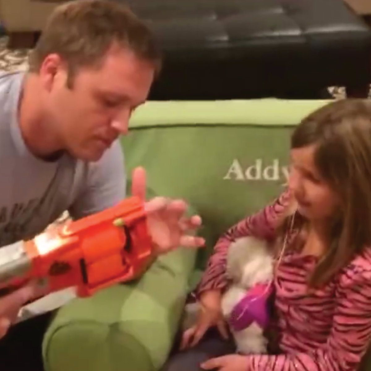 A new way to extract baby teeth?? THIS CREATIVE DAD let