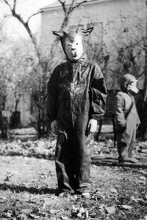 Creepy Halloween Kids With Images Old Halloween Costumes