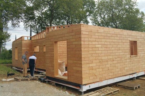 Brikawood  construire une maison passive avec des briques en bois