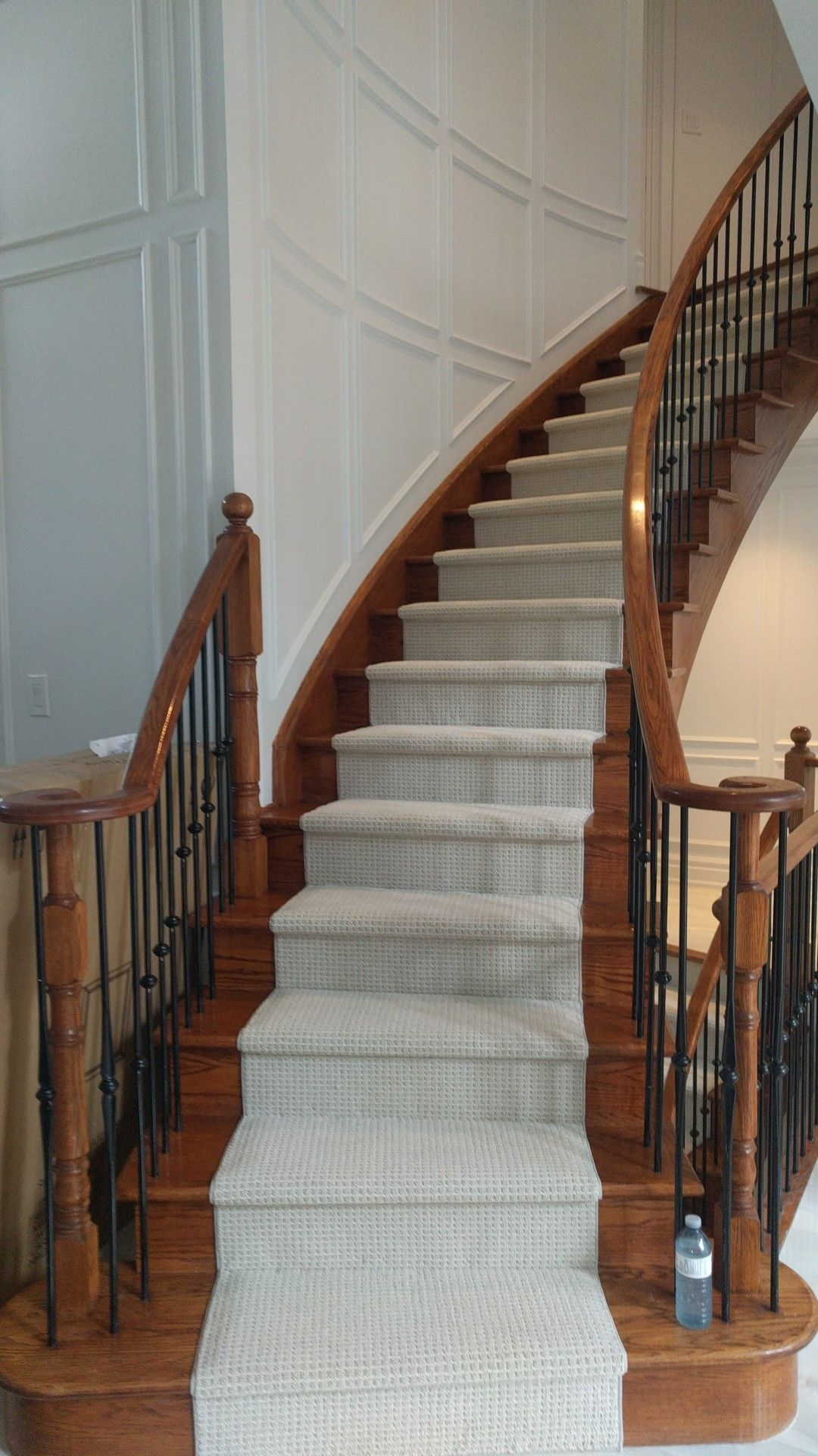 Best Www Stairsfirst Ca Berber Carpet Runner On Curve Stairs 400 x 300