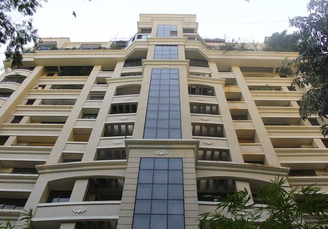 18+ Sanjay Dutt House Address
