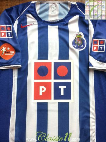 42dee94e35d Relive FC Porto s 2004 2005 season with this vintage Nike home football  shirt.
