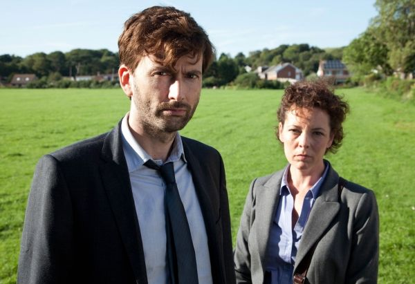 """BBC America has released an extended trailer for Broadchurch, the hit series created and written by Chris Chibnall and starring David Tennant and Olivia Colman. Described as """"an edge of your seat murder mystery that will tug at your heartstrings,"""" the crime drama will premiere on Wednesday 7 August at 10pm/9c as part of BBC America's Dramaville blo..."""