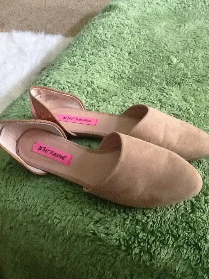 efa41f2b035 Betsey Johnson Ladies Shoes!Awesome Brand New Flats!Sz.9.5 M Brown Suede!