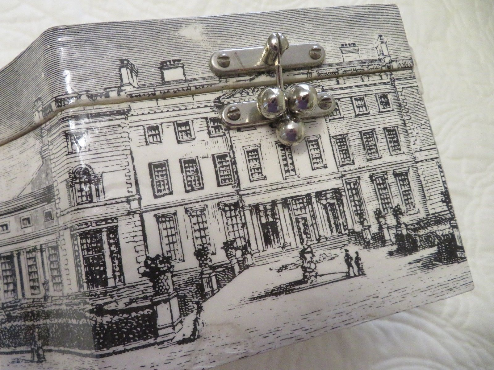 hight resolution of vintage wooden box purse decoupage b w palace etching red inside metal handle ebay