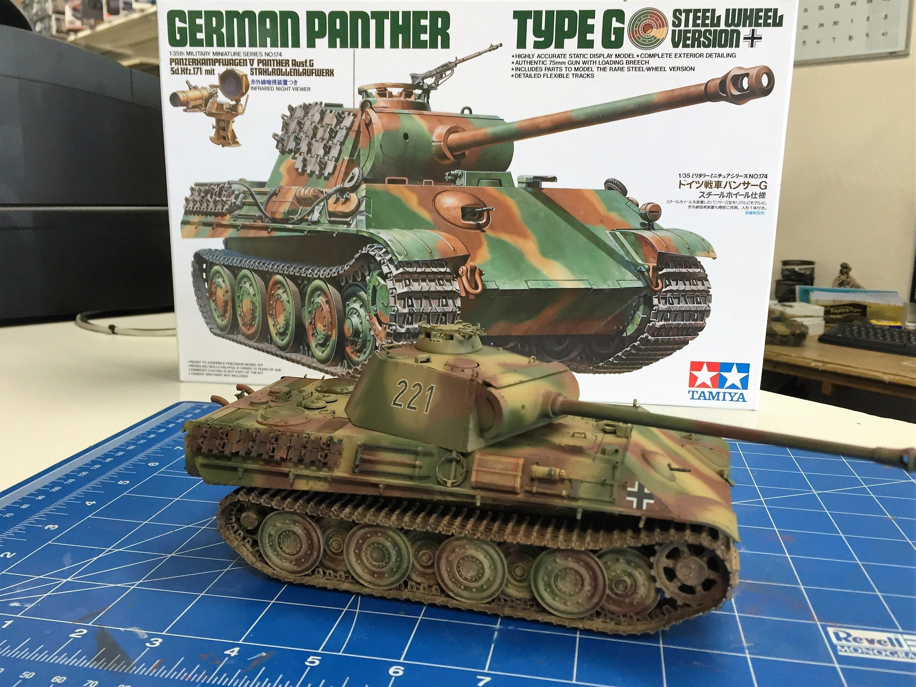 Building the Tamiya 1/35 Panther G steel wheel version with