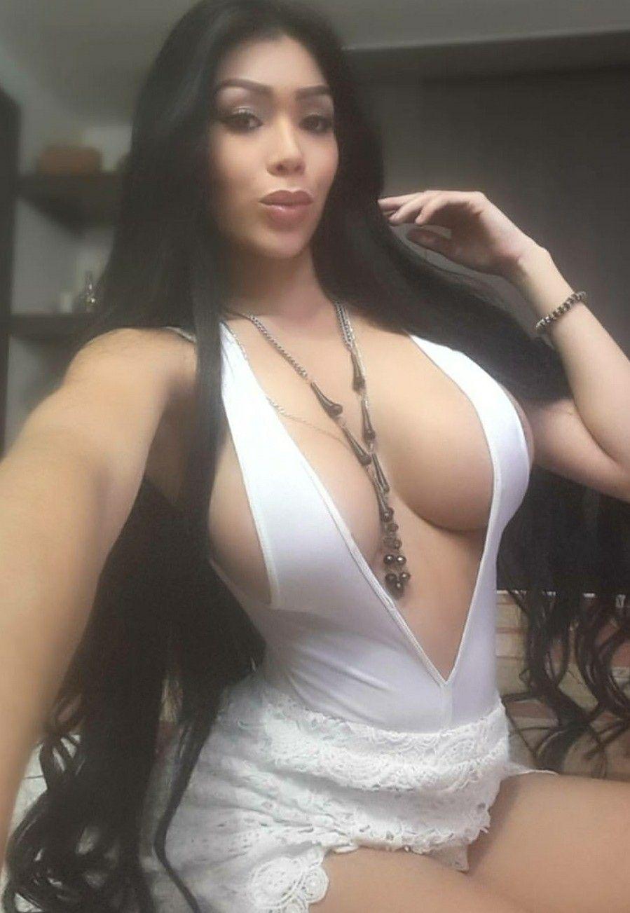 Fine pussy big tits n big ass
