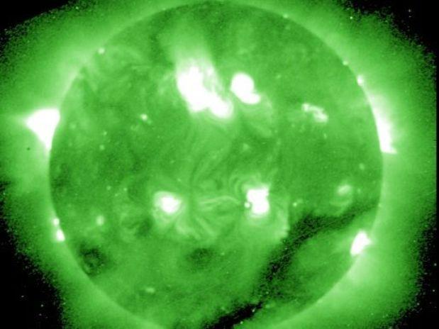 Tempestade solar se dissipa sem afetar redes de comunicações: http://bit.ly/yEAUhL 9Foto: NOAA/Divulgação)