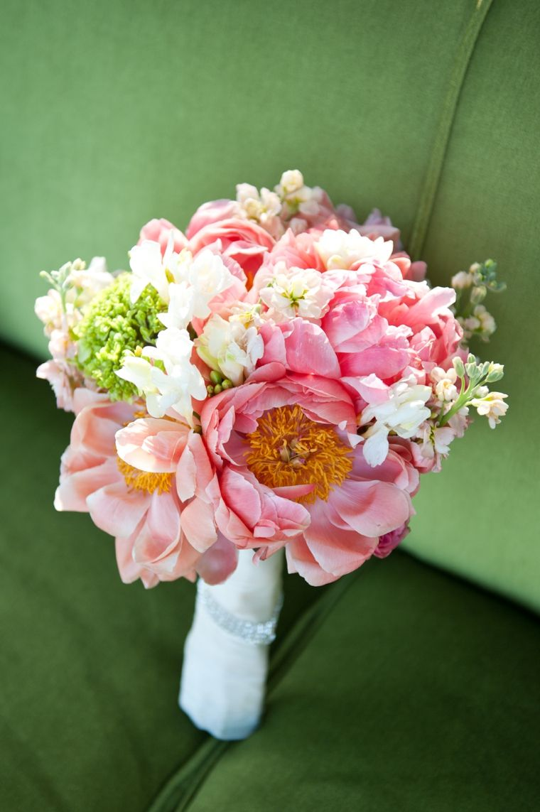 A Whimsical & Romantic Garden Wedding | Peonies bouquet, Whimsical ...