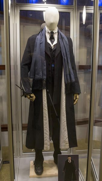 """""""Fantastic Beasts and Where to Find Them"""" Costume Exhibit"""