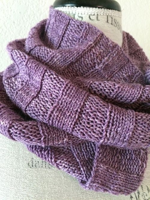 Crabapple Cowl Free Knitting Pattern | Chal, Dos agujas y Tejido