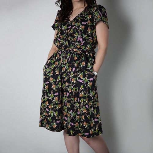 Schnittmuster: 1403 Yaletown Dress & Blouse - bequemes Kleid mit ...