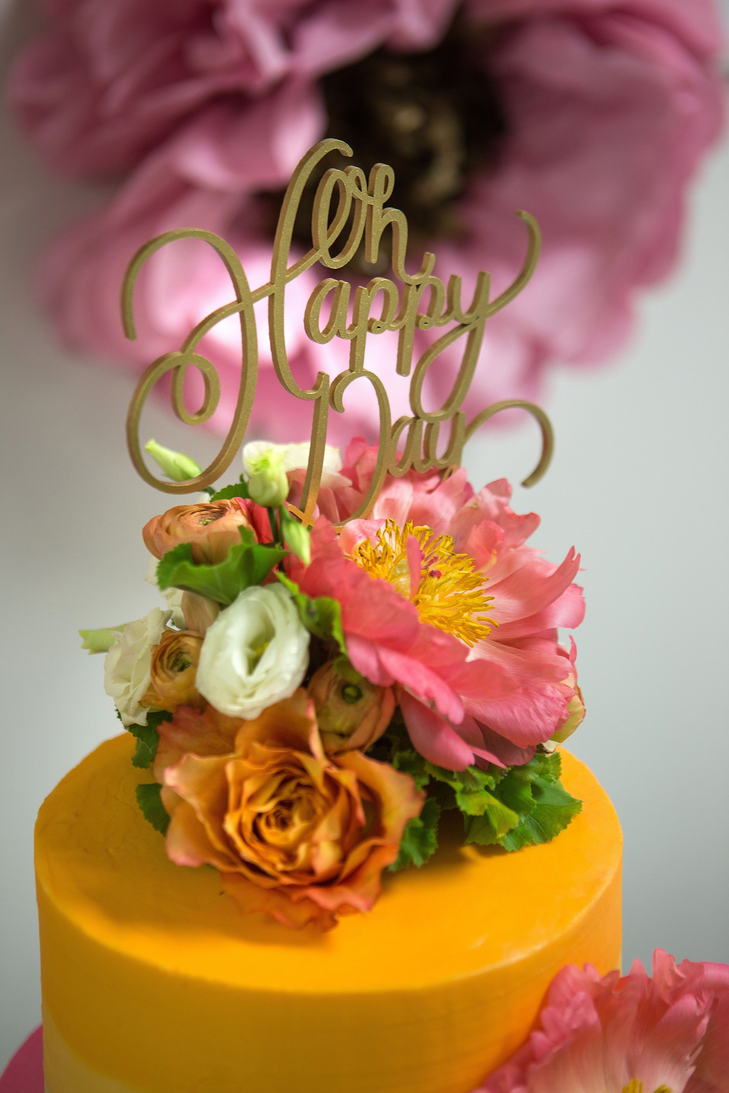 Baylor flowers cake topper with flowers photographer