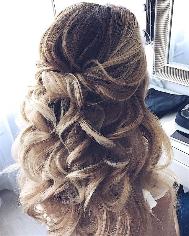 Prom Hairstyles For Short Hair Half Up Half Down Hairstyles Hairstylesforshorthair Short Weddinghairstyl Long Hair Styles Wedding Hair Down Down Hairstyles