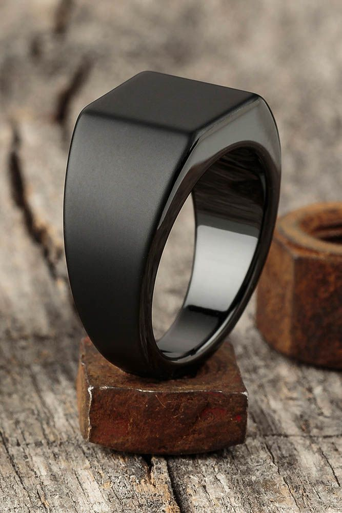 c7a5b7ebe1dd9 Such a sleek ring | My Style | Anillos masculinos, Anillos negros ...