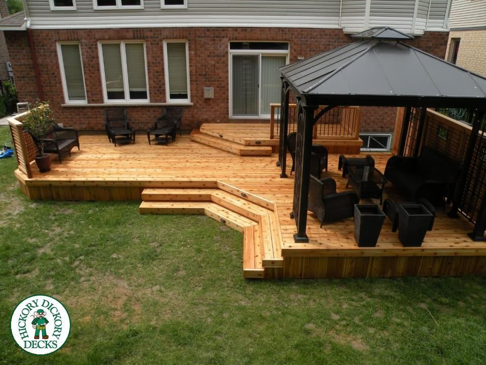 This 2 Level 510 Sq Ft Western Red Cedar Deck With A Custom Privacy Decks Backyard Deck Designs Backyard Patio Design